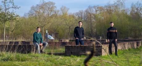 Jongeren diep onder indruk van verhaal over tijdens oorlog vermoorde broers: 'Mag niet vergeten worden'