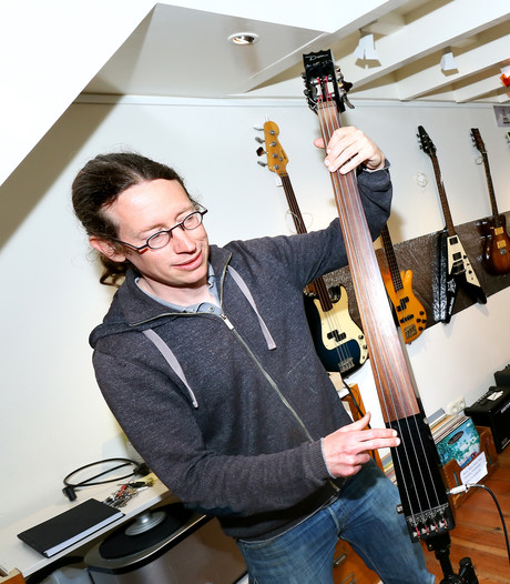 Laat je nieuwe gitaar er  professioneel afgeragd uitzien