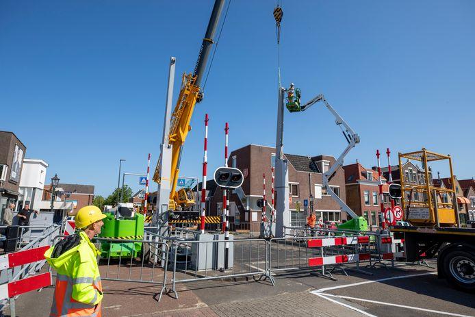 Inspectie aan de Lijndraaiersbrug in Maassluis, nadat de brug in mei ineens met een klap dichtviel.
