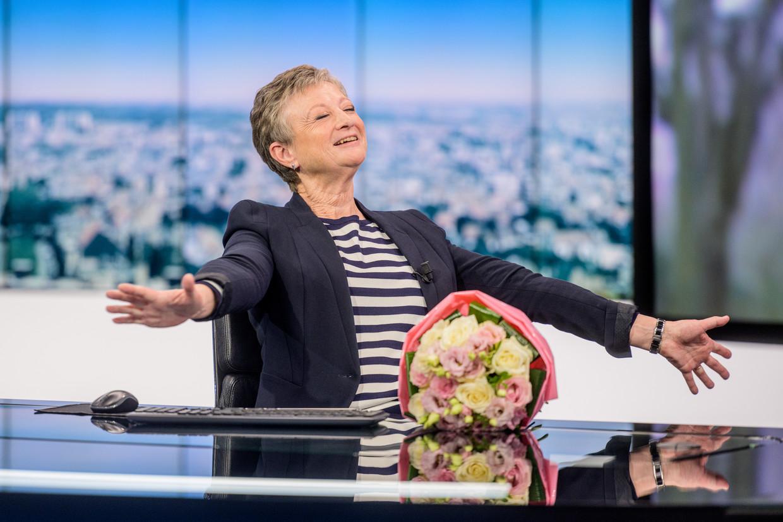 Journaalanker Martine Tanghe gaat na 42 jaar met pensioen. Beeld © VRT - Jokko