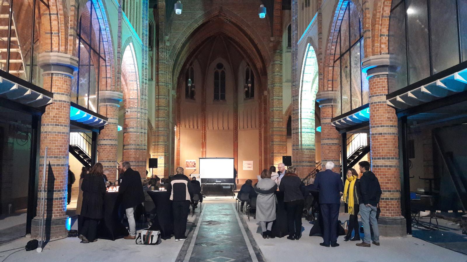 Informatieavond Kerk zoekt Boer in Sasse Cuyperskerk, voor de officiële presentaties.