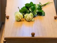 Oproep medewerkster crematorium krijgt snel gehoor: maximaal vijftig bezoekers bij uitvaart in plaats van honderd