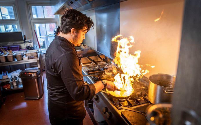 Een kijkje in de keuken van restaurant Loro Blonyo in Helmond.