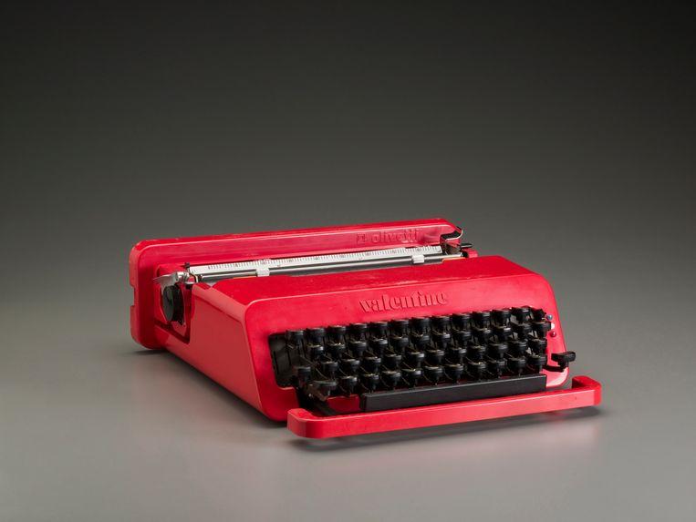 Valentine typemachine, die kon je als een aktetas meedragen. Beeld Getty Images