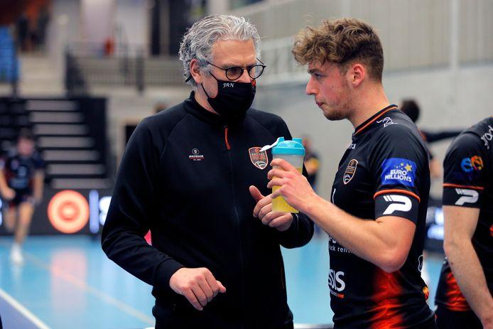 """Coach Jan Van Huffel (Caruur Gent): """"In een competitie telt alleen het resultaat.""""."""