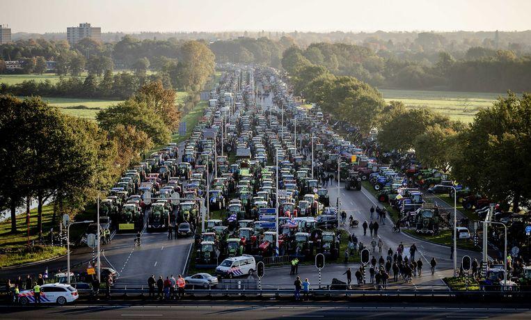 In oktober vorig jaar hielden de boeren een tractorprotest bij het RIVM. Beeld ANP
