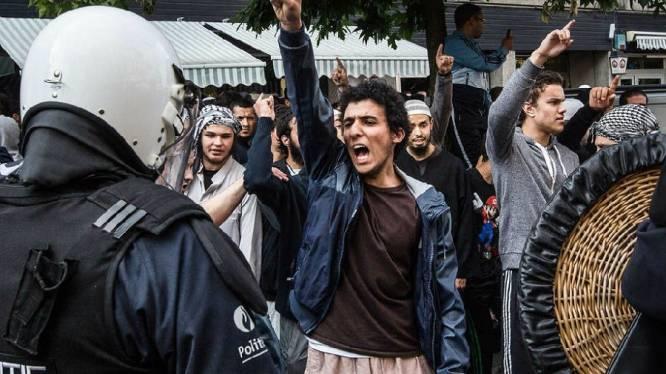 Met 70 van rellen in Borgerhout naar front Syrië
