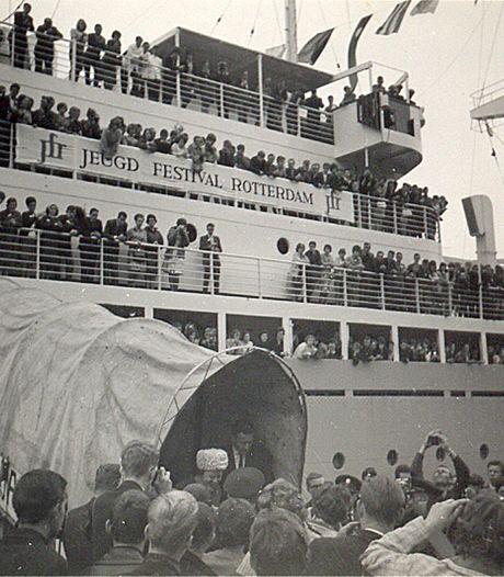 Wie herkent dit imposante schip ?