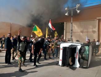 Traangas en geweerschoten nadat demonstranten VS-ambassade Irak binnenvallen, ambassadeur geëvacueerd