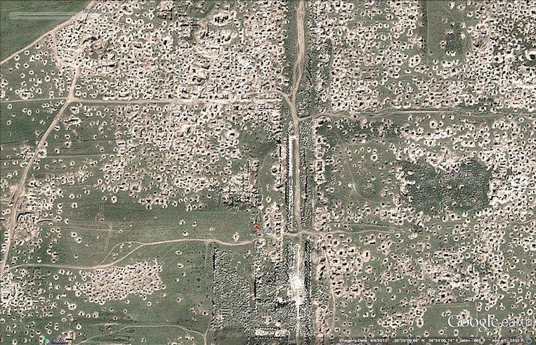 Apamea in april 2012 na de plunderingen. Beeld RV Google Maps
