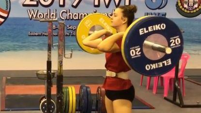 Nina Sterckx (17) verbreekt drie Europese jeugdrecords op WK gewichtheffen