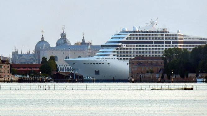 IN BEELD. Eerste cruiseschip in 17 maanden meert aan in Venetië