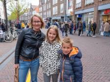 Rijen voor winkels en terrassen in drukke binnenstad: 'In de buitenlucht voel ik me veilig'