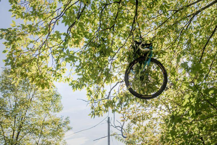 De fiets van Bakelants na de val. Beeld ©kramon