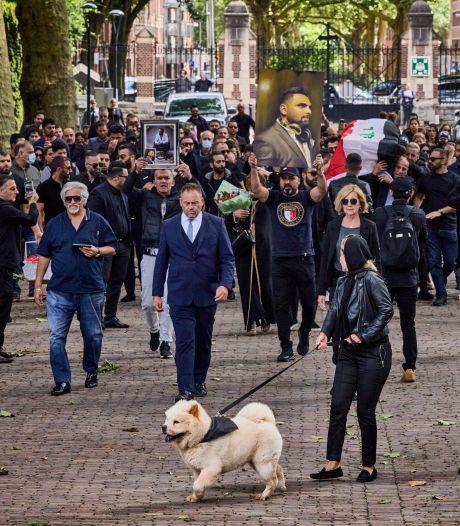 Doodgeschoten Wisam (37) begraven, zijn hond Esco begeleidde rouwstoet naar het graf