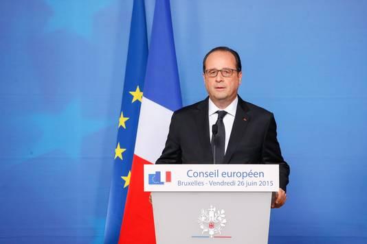 President Hollande tijdens de persconferentie over de aanslag.