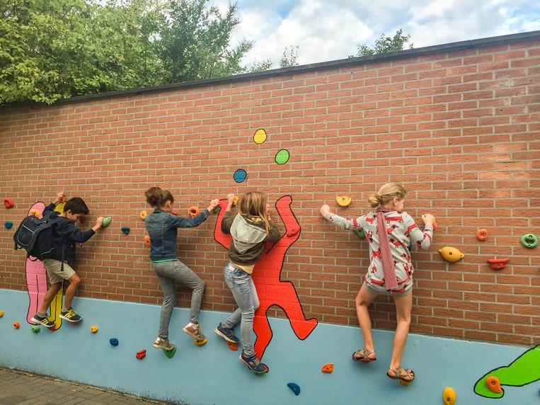 De school beschikt nu over een extra pittige speelplaats voor de leerlingen.