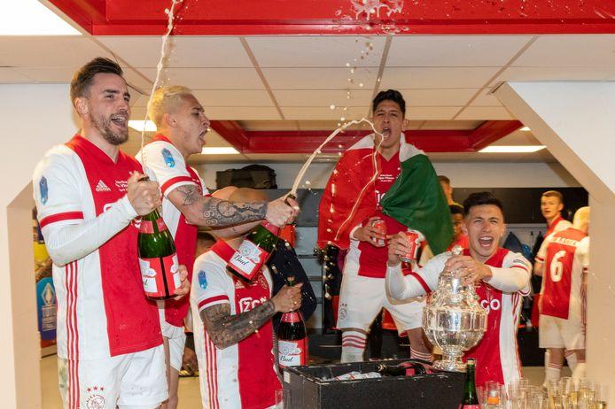 Nicolás Tagliafico, Antony, Edson Álvarez en Lisandro Martínez na het winnen van de KNVB-beker.