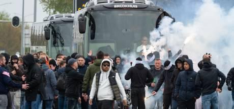 Fans klaar voor derby: veel vuurwerk en gezang in Enschede en Almelo