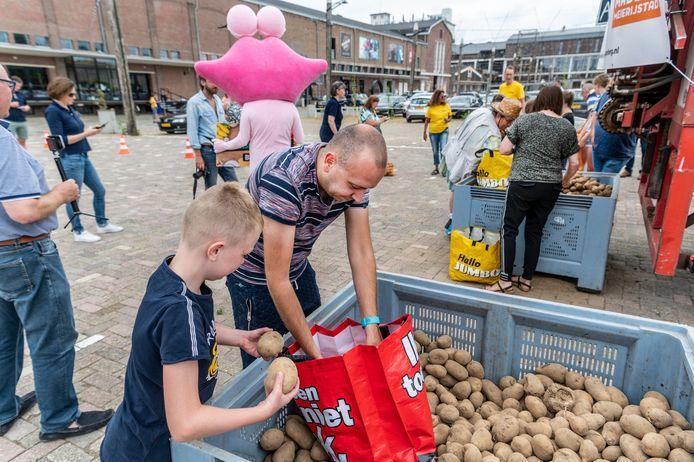 De aardappelberg in Veghel deze zomer was een initiatief van de stichting Samen tegen Voedselverspilling.
