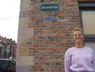 """Zarra (15) wil Bruggeling leren 'knikken' en lanceert 'Knikjesstraat': """"Vriendelijk goedendag zeggen kost toch geen moeite?"""""""