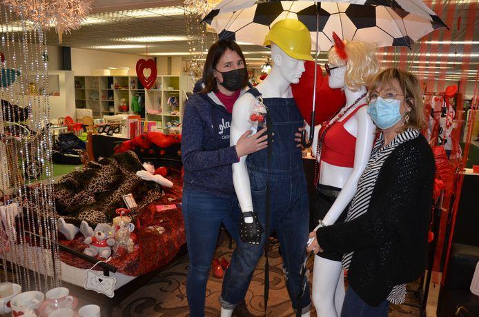 Nathalie en Hilde kleedden een volledige stand in volgens valentijnsthema.