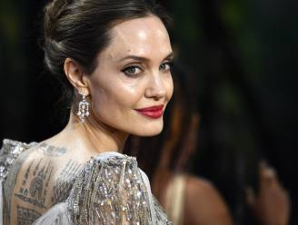 Angelina Jolie verkoopt peperduur cadeau van Brad Pitt