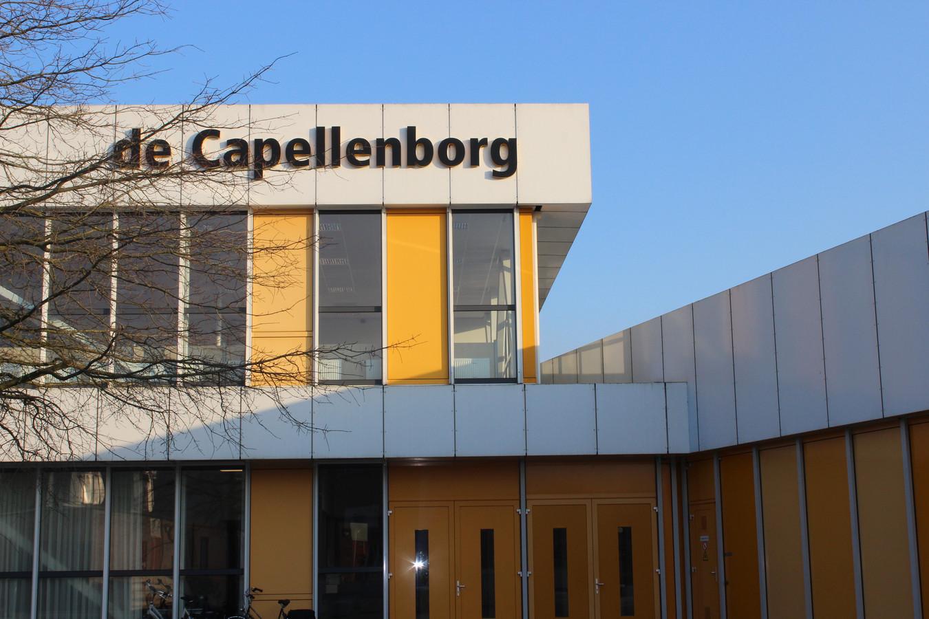 Ook op De Capellenborg in Wijhe is kinderporno verspreid in een app-groep van leerlingen. Het gaat om dezelfde beelden als eerder op het Carmel College in Raalte zijn ontdekt.
