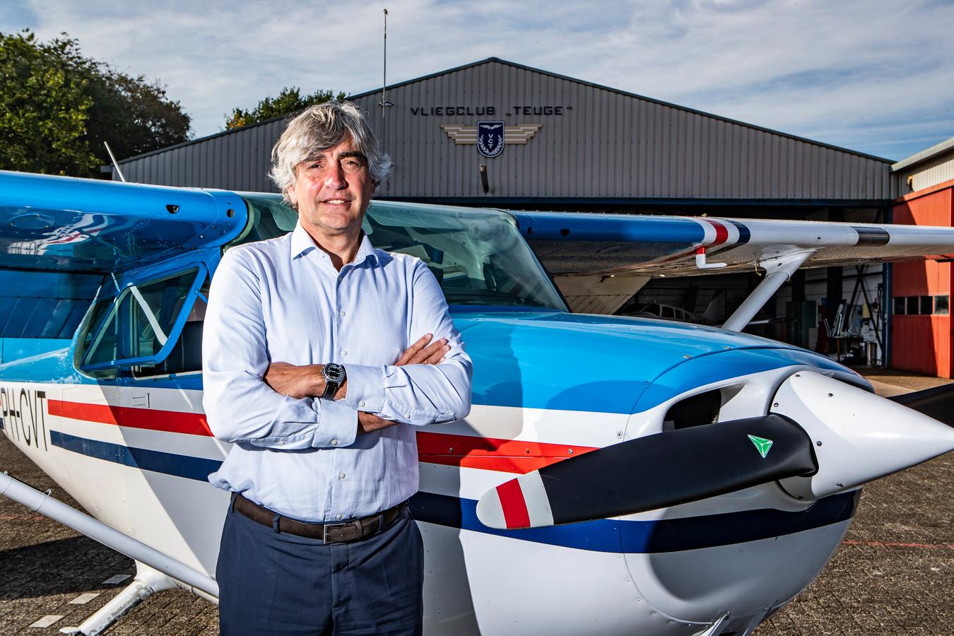 Matthijs de Haan, directeur van vliegveld Teuge, is verbaasd en gefrustreerd over de gang van zaken rond het Luchtvaartbesluit van de provincie Gelderland.