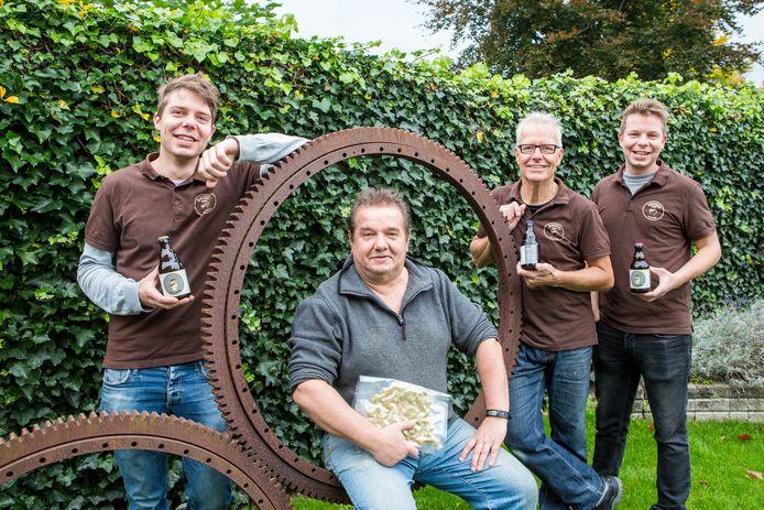 Vlnr Bart Mulders, William Janssen, Ruud Mulders en Luuk Mulders.  Foto David van Haren
