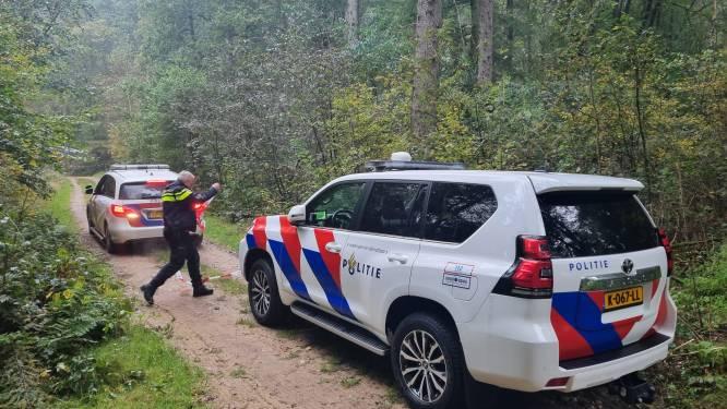 Politie vindt omgekomen motorrijder (27) na tip van wandelaar in Achterhoeks bos