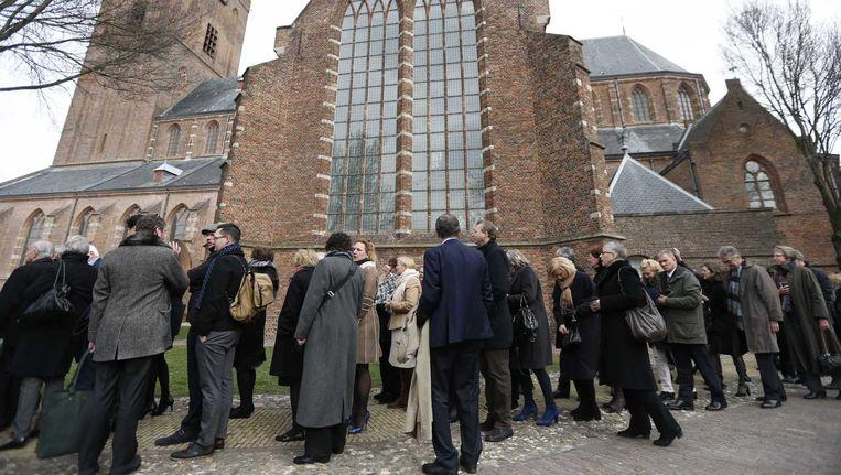 Bezoekers van de Matthäus-Passion bij de Grote Kerk in Naarden op Goede Vrijdag. Ook deze cultuuruitingen krijgen subsidie. Beeld anp