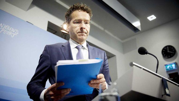 Dijsselbloem ligt het besluit om ABN Amro naar de beurs te brengen toe in een persconferentie. Beeld anp