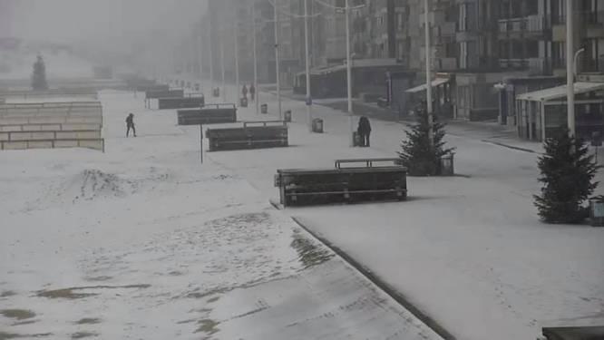 Daar is de aangekondigde sneeuw: meteen wit tapijt aan de kust