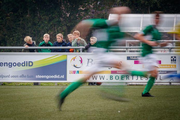 SC Rouveen wil met een jong team, aangevuld met versterking uit Staphorst, opklimmen naar de tweede klasse.