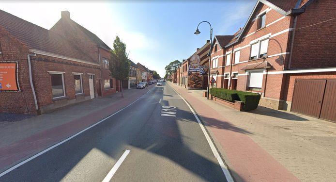 De Vaartstraat is dinsdag doorheen de dag afgesloten tussen de Bert Leysenlaan en Boudewijnlaan.