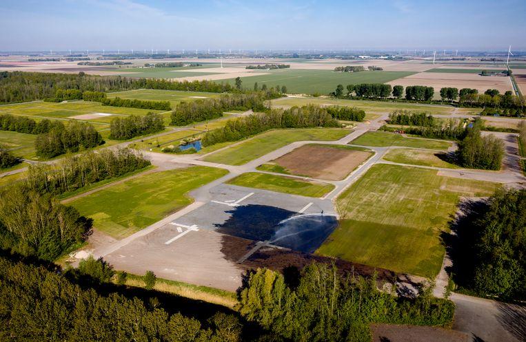 Een dronefoto van het festivalterrein van Lowlands en Defqon in Biddinghuizen.  Beeld ANP