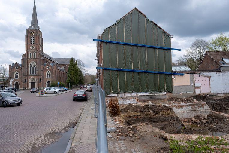 RUMST Restanten van een Middeleeuwse burcht werden blootgelegd in de Kerkstraat