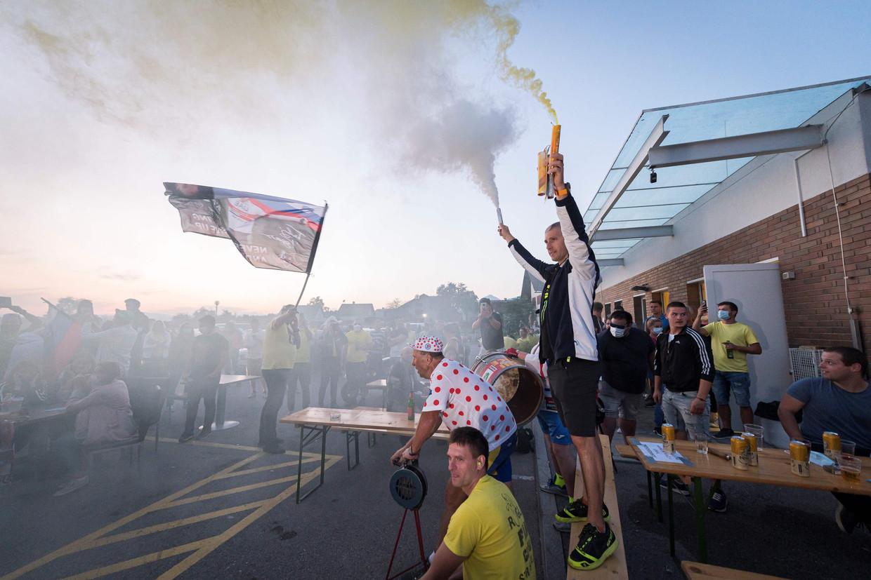 Feest in Komenda, het geboortedorp van Pogacar, wanneer hij de Tour de France wint. Beeld AFP