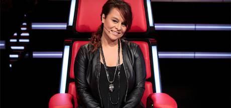 Trijntje Oosterhuis treedt op in The Voice