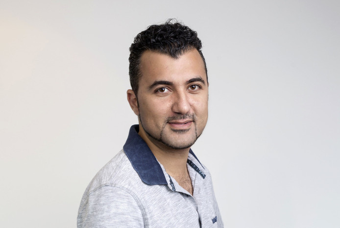 Özcan Akyol, auteur van Het Groot Dictee Eindhoven 2018.