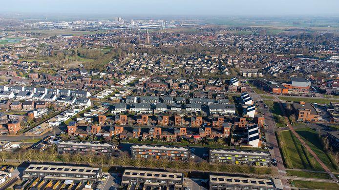 De Piekenhoef in Berghem, met rechts basisschool De Fonkeling en op de achtergrond bedrijventerrein De Geer.