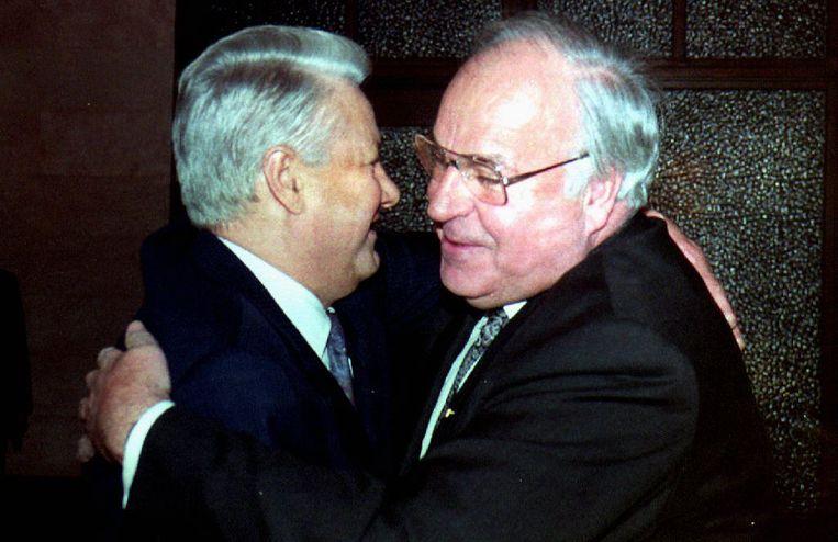 Boris Yeltsin en Helmut Kohl in 1993. Beeld AFP