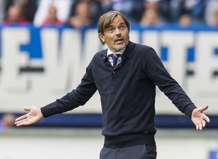 Kenneth Perez denkt dat er dit seizoen een belangrijke rol is weggelegd voor Philip Cocu, trainer van PSV. Beeld ANP PRO SHOTS