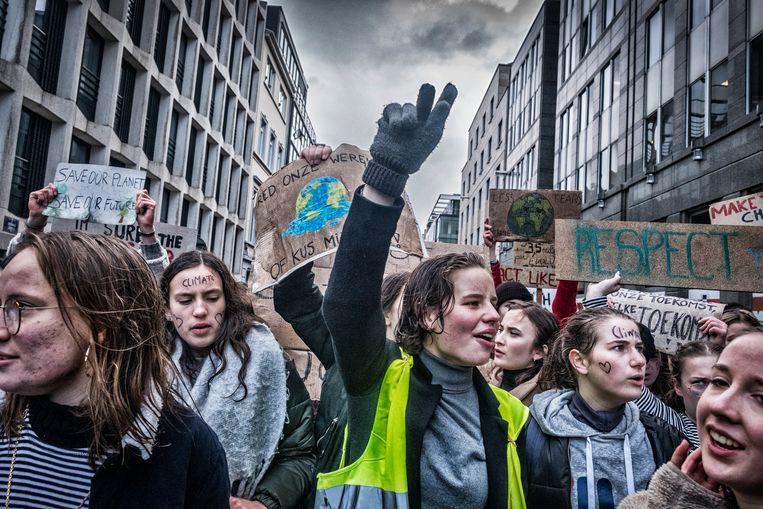 Anuna De Wever tijdens één van de 20 klimaatmarsen. Beeld Tim Dirven