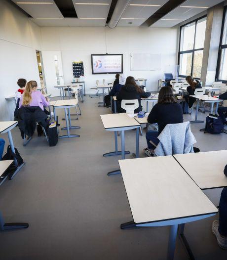 Meeste middelbare scholen in Oost-Nederland blijven maandag dicht, terwijl ze wel open mógen