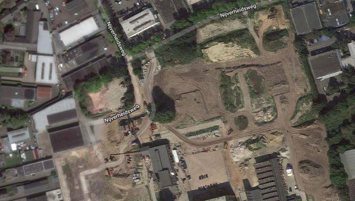 Aan de kant van de Nijverheidsweg wil Oisterwijk extra woningbouw op het KVL-terrein mogelijk maken.