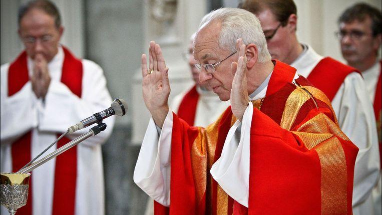 Onder de Brugse bisschop Jozef De Kesel waait er wel degelijk een nieuwe wind, stelt Manu Keirse. Beeld PHOTO_NEWS