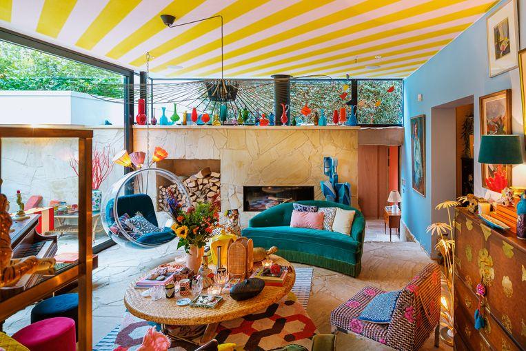 Audrey Heselmans creëerde in haar Antwerpse woning zo'n kleurrijk interieur, dat mensen haar vanzelf inhuurden als interieurstyliste. Beeld RV