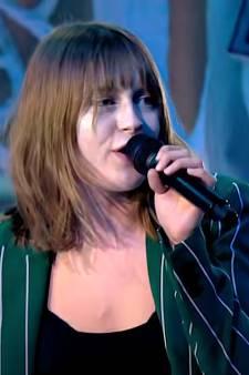 Van frituur naar songfestival: Rotterdamse Emmie vervangt zieke zangeres van deelnemer Oekraïne